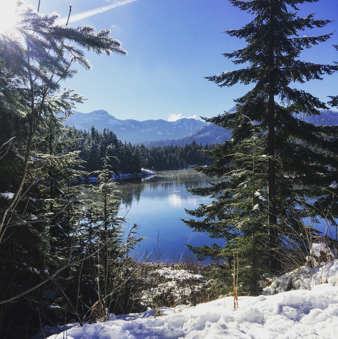 Gold Creek Pond – Snowshoeing